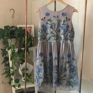 Sundance Blue Floral Embroidered Tea Dress M